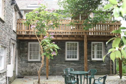Coombe Cottage, Rear Courtyard, Lakes Cottage Holidays