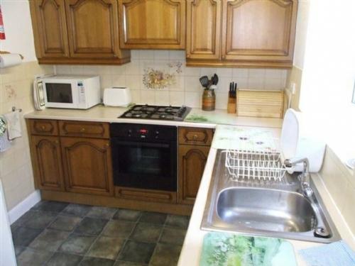 Lydia's River Cottage, kitchen, Lakes Cottage Holidays