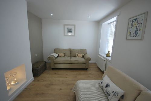 Sitting room with sofa bed (please bring bedding/linen for this)