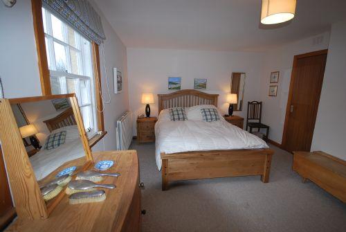 Double bedroom (double bed, ensuite)