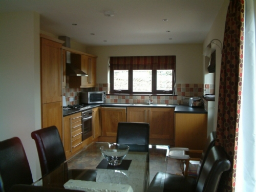 BECKSIDE BUNGALOW, Pooley Bridge Holiday Park, Ullswater