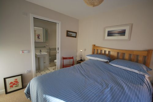 Double bedroom (king-sized bed, ensuite)