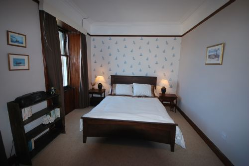 Double bedroom (king-sized bed)