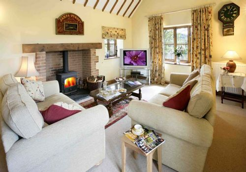 Upfront,up,front,reviews,accommodation,self,catering,rental,holiday,homes,cottages,feedback,information,genuine,trust,worthy,trustworthy,supercontrol,system,guests,customers,verified,exclusive,both cottages,bidwell farm cottages,,,image,of,photo,picture,view