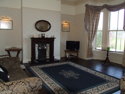 Marine Terrace, Lounge, Lakes Cottage Holidays