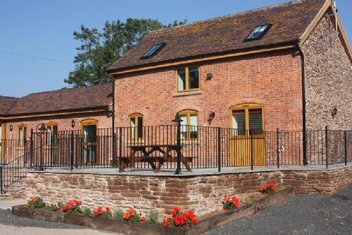 Upfront,up,front,reviews,accommodation,self,catering,rental,holiday,homes,cottages,feedback,information,genuine,trust,worthy,trustworthy,supercontrol,system,guests,customers,verified,exclusive,the stables,hereford holiday cottages ltd,bromyard,,image,of,photo,picture,view