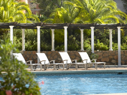 Relax in style at the La Lomas Pool