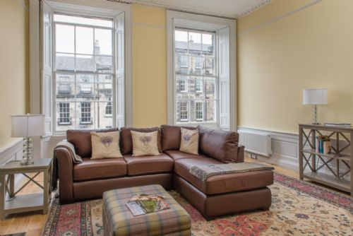 Upfront,up,front,reviews,accommodation,self,catering,rental,holiday,homes,cottages,feedback,information,genuine,trust,worthy,trustworthy,supercontrol,system,guests,customers,verified,exclusive,nelson street,greatbase apartments ltd,edinburgh,,image,of,photo,picture,view