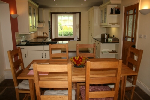 Greenbank Farmhouse, kitchen dining area, Self Catering Cottage in Troutbeck, Nr Ullswater, Lakes Cottage Holidays