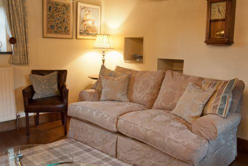 LOW HOUSE (Hot Tub), nr Kirkby Lonsdale, South Lakes/Lancashire border