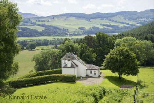 Upfront,up,front,reviews,accommodation,self,catering,rental,holiday,homes,cottages,feedback,information,genuine,trust,worthy,trustworthy,supercontrol,system,guests,customers,verified,exclusive,castle peroch,kinnaird estate,by dunkeld,,image,of,photo,picture,view