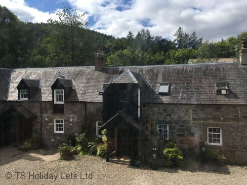 Upfront,up,front,reviews,accommodation,self,catering,rental,holiday,homes,cottages,feedback,information,genuine,trust,worthy,trustworthy,supercontrol,system,guests,customers,verified,exclusive,couthie cottage,click book stay ltd,birnam,perthshire,image,of,photo,picture,view