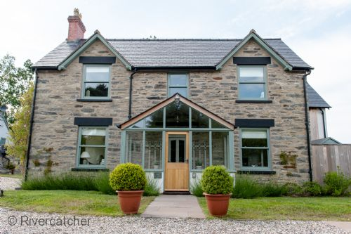 Upfront,up,front,reviews,accommodation,self,catering,rental,holiday,homes,cottages,feedback,information,genuine,trust,worthy,trustworthy,supercontrol,system,guests,customers,verified,exclusive,cilan farmhouse,rivercatcher,llandrillo,,image,of,photo,picture,view