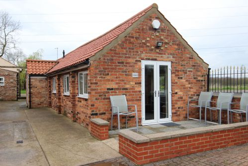 Upfront,up,front,reviews,accommodation,self,catering,rental,holiday,homes,cottages,feedback,information,genuine,trust,worthy,trustworthy,supercontrol,system,guests,customers,verified,exclusive,cottage 5,murton grange,york,,image,of,photo,picture,view