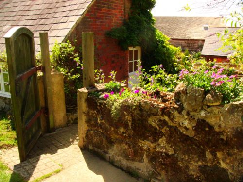 Upfront,up,front,reviews,accommodation,self,catering,rental,holiday,homes,cottages,feedback,information,genuine,trust,worthy,trustworthy,supercontrol,system,guests,customers,verified,exclusive,barn cottage,the garlic farm,newchurch,,image,of,photo,picture,view