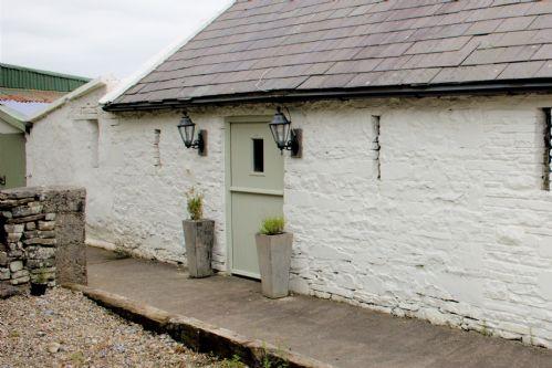 Milk Parlour One Bedroom Restored Cottage, Kilshanny, Doolin, Co. Clare