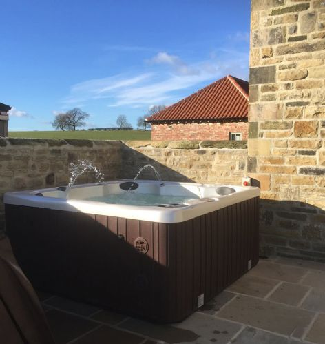 Upfront,up,front,reviews,accommodation,self,catering,rental,holiday,homes,cottages,feedback,information,genuine,trust,worthy,trustworthy,supercontrol,system,guests,customers,verified,exclusive,the farmhouse,tunstall road farm,catterick,,image,of,photo,picture,view