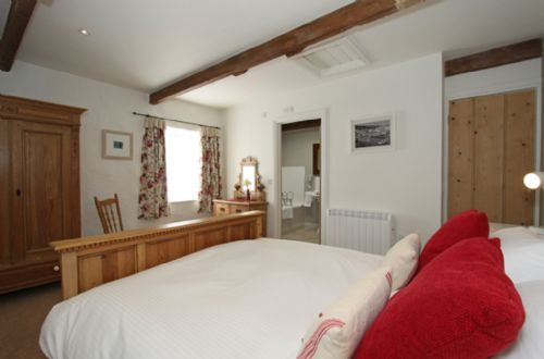 Upfront,up,front,reviews,accommodation,self,catering,rental,holiday,homes,cottages,feedback,information,genuine,trust,worthy,trustworthy,supercontrol,system,guests,customers,verified,exclusive,wallis cottage,lambriggan court,truro,,image,of,photo,picture,view