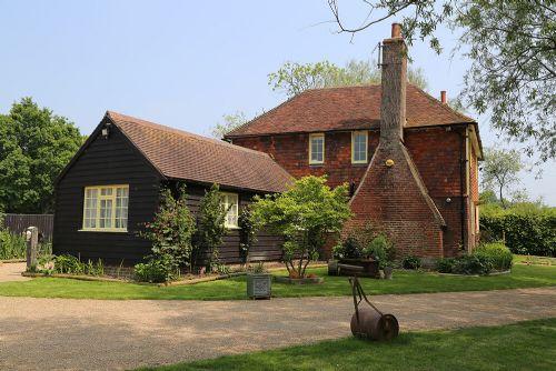 Larkin Farmhouse and Studio