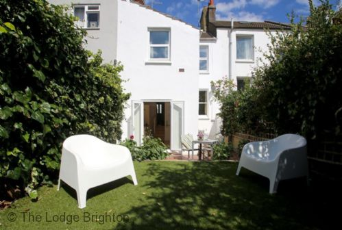 Upfront,up,front,reviews,accommodation,self,catering,rental,holiday,homes,cottages,feedback,information,genuine,trust,worthy,trustworthy,supercontrol,system,guests,customers,verified,exclusive,the cottage,the lodge brighton,hove,,image,of,photo,picture,view