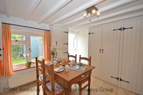 Upfront,up,front,reviews,accommodation,self,catering,rental,holiday,homes,cottages,feedback,information,genuine,trust,worthy,trustworthy,supercontrol,system,guests,customers,verified,exclusive,sea pinks,the amberley house cottage holidays group,selsey,,image,of,photo,picture,view
