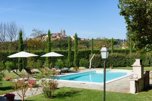 Tuscany Exceptional Family Villa for 12-14