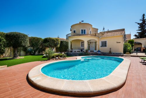 54.Detached Villa With Private Pool  at La Florida  - Playa Flamenca - 4 Bedrooms Sleeps 8