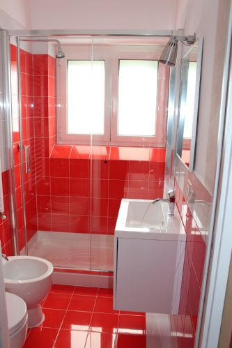 LArge family bathroom on ground foor . easy access