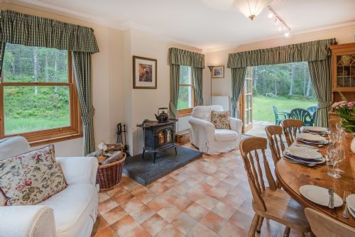 Upfront,up,front,reviews,accommodation,self,catering,rental,holiday,homes,cottages,feedback,information,genuine,trust,worthy,trustworthy,supercontrol,system,guests,customers,verified,exclusive,rymore wood lodge,rymore wood lodge,by nethybridge,,image,of,photo,picture,view