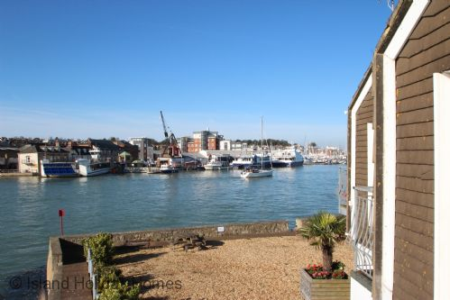 Upfront,up,front,reviews,accommodation,self,catering,rental,holiday,homes,cottages,feedback,information,genuine,trust,worthy,trustworthy,supercontrol,system,guests,customers,verified,exclusive,anchor cottage,island holiday homes,east cowes,,image,of,photo,picture,view