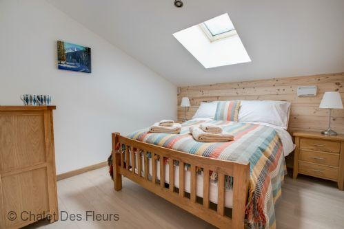 Upfront,up,front,reviews,accommodation,self,catering,rental,holiday,homes,cottages,feedback,information,genuine,trust,worthy,trustworthy,supercontrol,system,guests,customers,verified,exclusive,apartment adonis,chalet des fleurs,les gets,,image,of,photo,picture,view