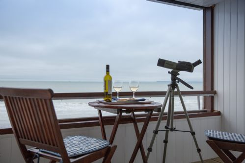 Upfront,up,front,reviews,accommodation,self,catering,rental,holiday,homes,cottages,feedback,information,genuine,trust,worthy,trustworthy,supercontrol,system,guests,customers,verified,exclusive,marineside,wellies & windbreaks,bracklesham bay,,image,of,photo,picture,view