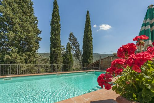 Villa Nightingale Tuscany, With Private pool and gardens