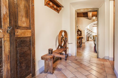 Around the villa are many Rustic Antiques