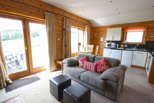 Upfront,up,front,reviews,accommodation,self,catering,rental,holiday,homes,cottages,feedback,information,genuine,trust,worthy,trustworthy,supercontrol,system,guests,customers,verified,exclusive,spa lodge - 4,kinnaird woodland lodges,pitlochry,,image,of,photo,picture,view