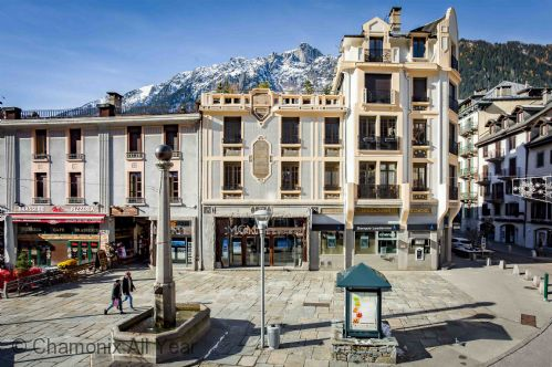 Le Kursaal Apartment is centrally located on Place Balmat