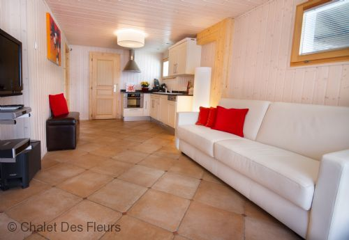 Upfront,up,front,reviews,accommodation,self,catering,rental,holiday,homes,cottages,feedback,information,genuine,trust,worthy,trustworthy,supercontrol,system,guests,customers,verified,exclusive,chalet grand paradis,chalet des fleurs,morzine,,image,of,photo,picture,view