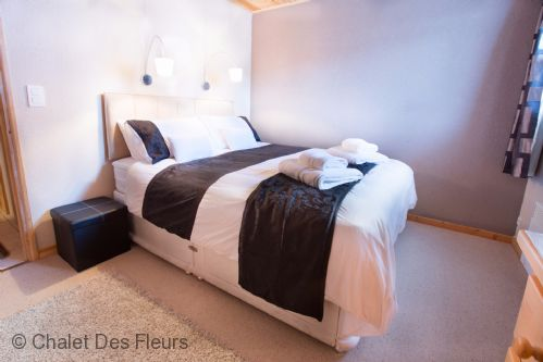 Upfront,up,front,reviews,accommodation,self,catering,rental,holiday,homes,cottages,feedback,information,genuine,trust,worthy,trustworthy,supercontrol,system,guests,customers,verified,exclusive,chalet st georges,chalet des fleurs,morzine,,image,of,photo,picture,view