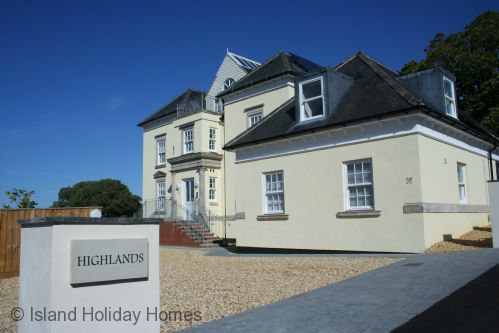 Upfront,up,front,reviews,accommodation,self,catering,rental,holiday,homes,cottages,feedback,information,genuine,trust,worthy,trustworthy,supercontrol,system,guests,customers,verified,exclusive,4 highlands apartment ,island holiday homes,shanklin,,image,of,photo,picture,view