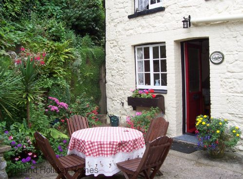 Upfront,up,front,reviews,accommodation,self,catering,rental,holiday,homes,cottages,feedback,information,genuine,trust,worthy,trustworthy,supercontrol,system,guests,customers,verified,exclusive,fernwood cottage,island holiday homes,bonchurch ,,image,of,photo,picture,view