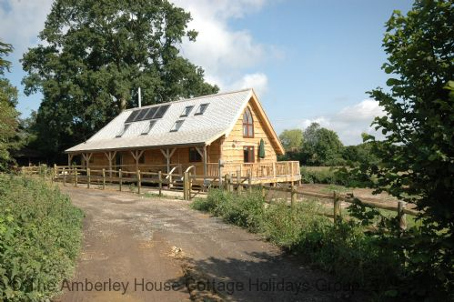 The Straw House - Main Image