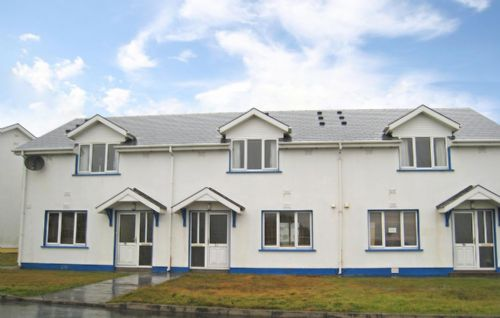 Atlantic View - Seaview, Castlefield, Kilkee, Co.Clare - 4 Bed - Sleeps 6