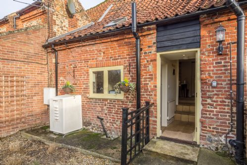 Upfront,up,front,reviews,accommodation,self,catering,rental,holiday,homes,cottages,feedback,information,genuine,trust,worthy,trustworthy,supercontrol,system,guests,customers,verified,exclusive,quince cottage,norfolk hideaways,gunthorpe,,image,of,photo,picture,view