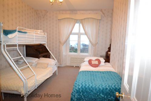 Upfront,up,front,reviews,accommodation,self,catering,rental,holiday,homes,cottages,feedback,information,genuine,trust,worthy,trustworthy,supercontrol,system,guests,customers,verified,exclusive,torwood,island holiday homes,bonchurch,,image,of,photo,picture,view