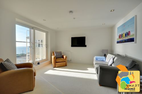 Upfront,up,front,reviews,accommodation,self,catering,rental,holiday,homes,cottages,feedback,information,genuine,trust,worthy,trustworthy,supercontrol,system,guests,customers,verified,exclusive,latitude west,smart home rentals,southbourne,,image,of,photo,picture,view