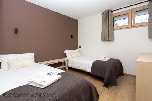 Second twin bedroom on lower ground floor