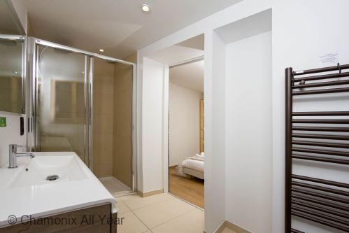 Ensuite bathroom with Italian shower & WC