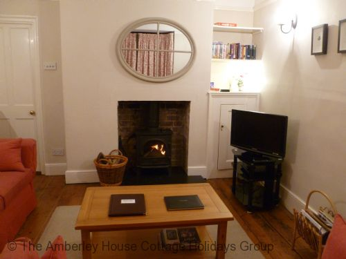 Upfront,up,front,reviews,accommodation,self,catering,rental,holiday,homes,cottages,feedback,information,genuine,trust,worthy,trustworthy,supercontrol,system,guests,customers,verified,exclusive,76 the mint,the amberley house cottage holidays group,rye,,image,of,photo,picture,view