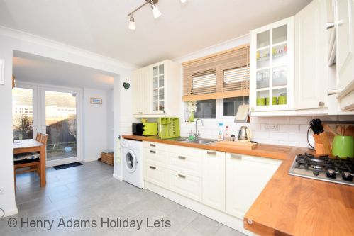 Upfront,up,front,reviews,accommodation,self,catering,rental,holiday,homes,cottages,feedback,information,genuine,trust,worthy,trustworthy,supercontrol,system,guests,customers,verified,exclusive,merryfield , selsey ,henry adams holiday cottages ,selsey,,image,of,photo,picture,view