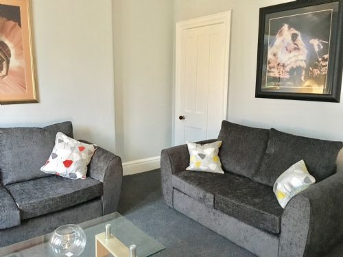 Upfront,up,front,reviews,accommodation,self,catering,rental,holiday,homes,cottages,feedback,information,genuine,trust,worthy,trustworthy,supercontrol,system,guests,customers,verified,exclusive,bellahouston view apartment,pillow,glasgow,,image,of,photo,picture,view